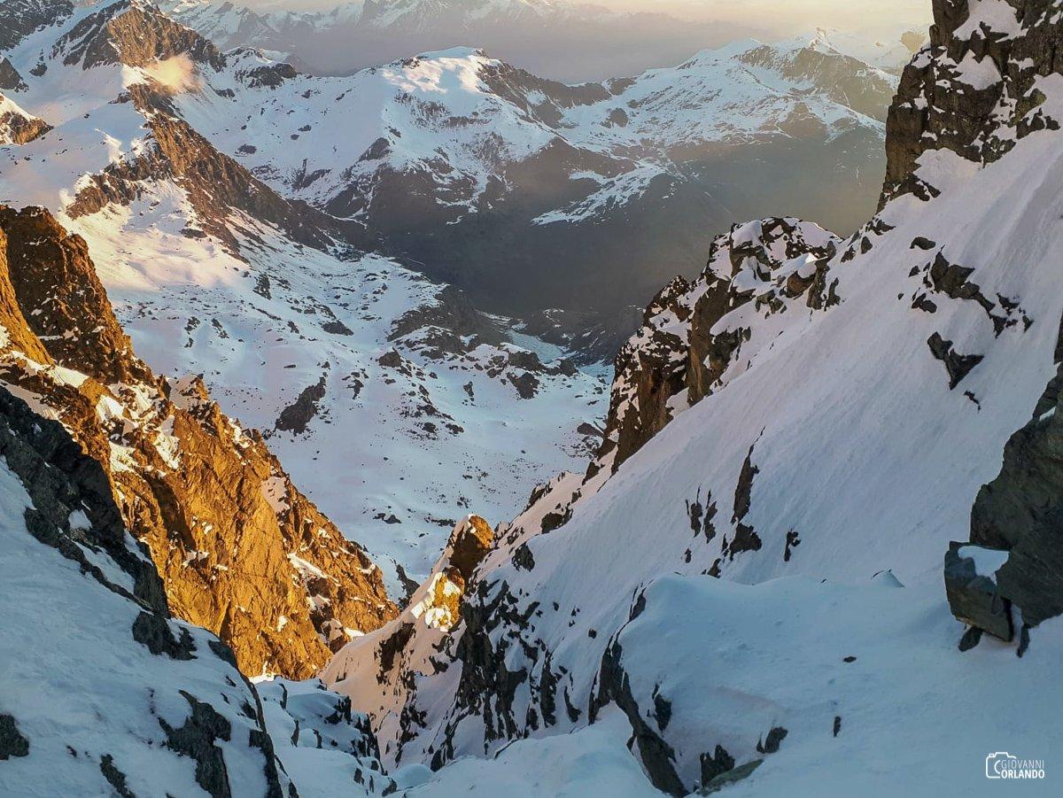 In arrivo sul ghiacciaio superiore del Monviso