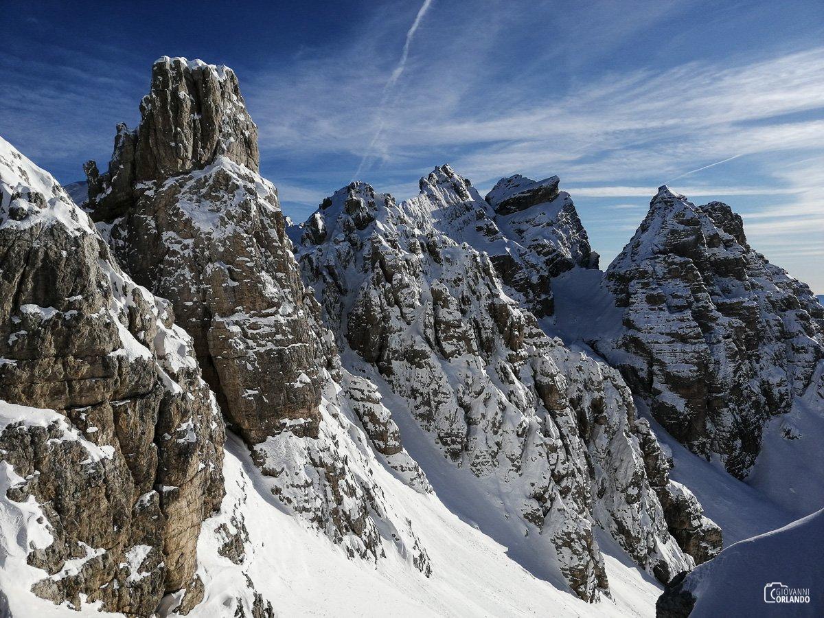 Spettacolare vista dalla cima verso la Cresta sud di San Sebastiano ed i Tamer