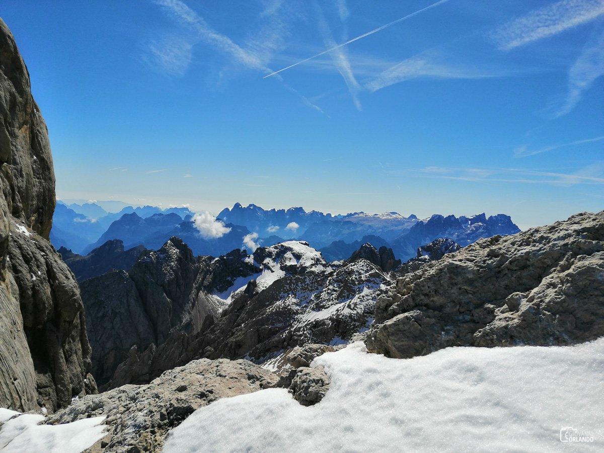 Spettacolare visione verso le Dolomiti meridionali: Agner, Pale di San Martino, Pale di San Lucano. Non manca proprio nessuno!