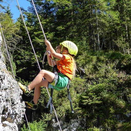 Family arrampicata Frassenè Dolomiti 510 | Giovanni Orlando Guida Alpina