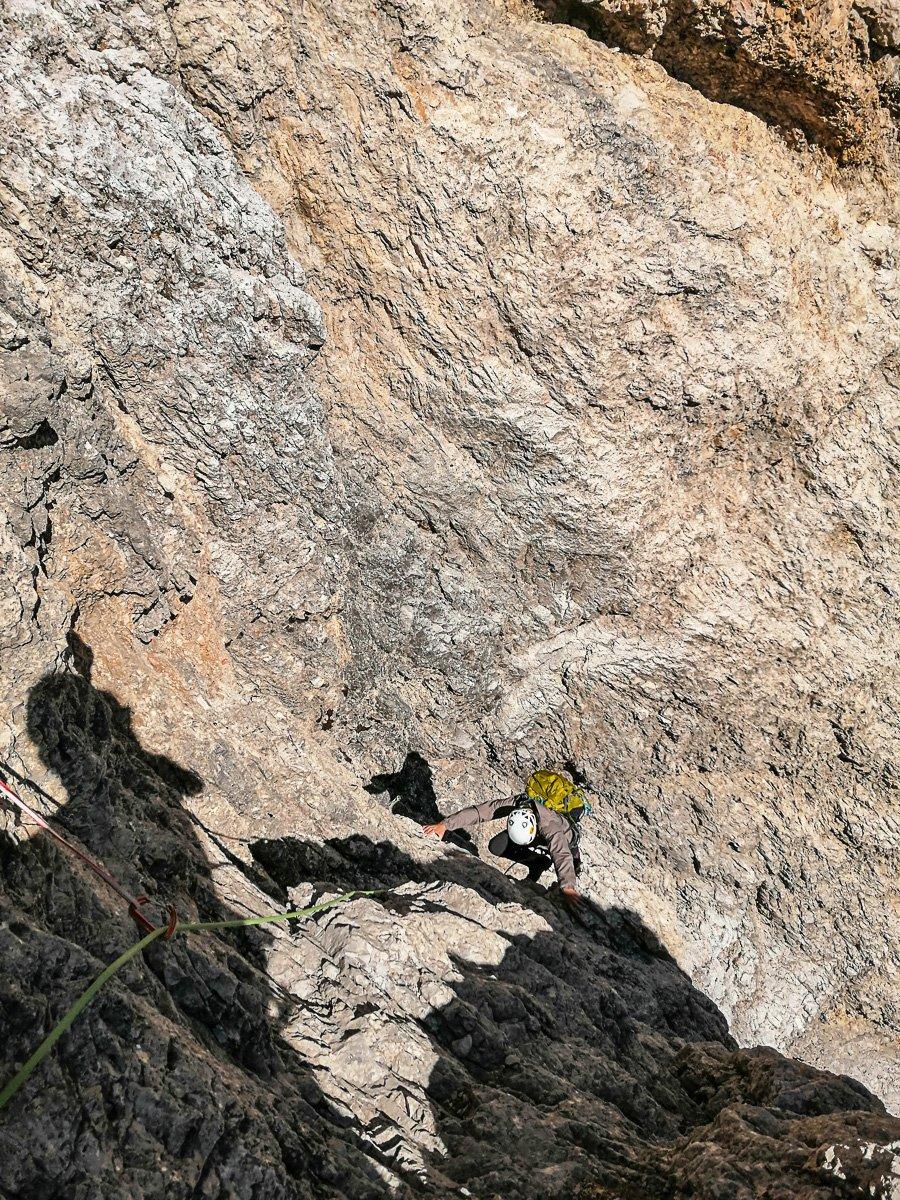 Punta Grohmann – via Dimai: L'uscita del decimo tiro, prima della grande cengia