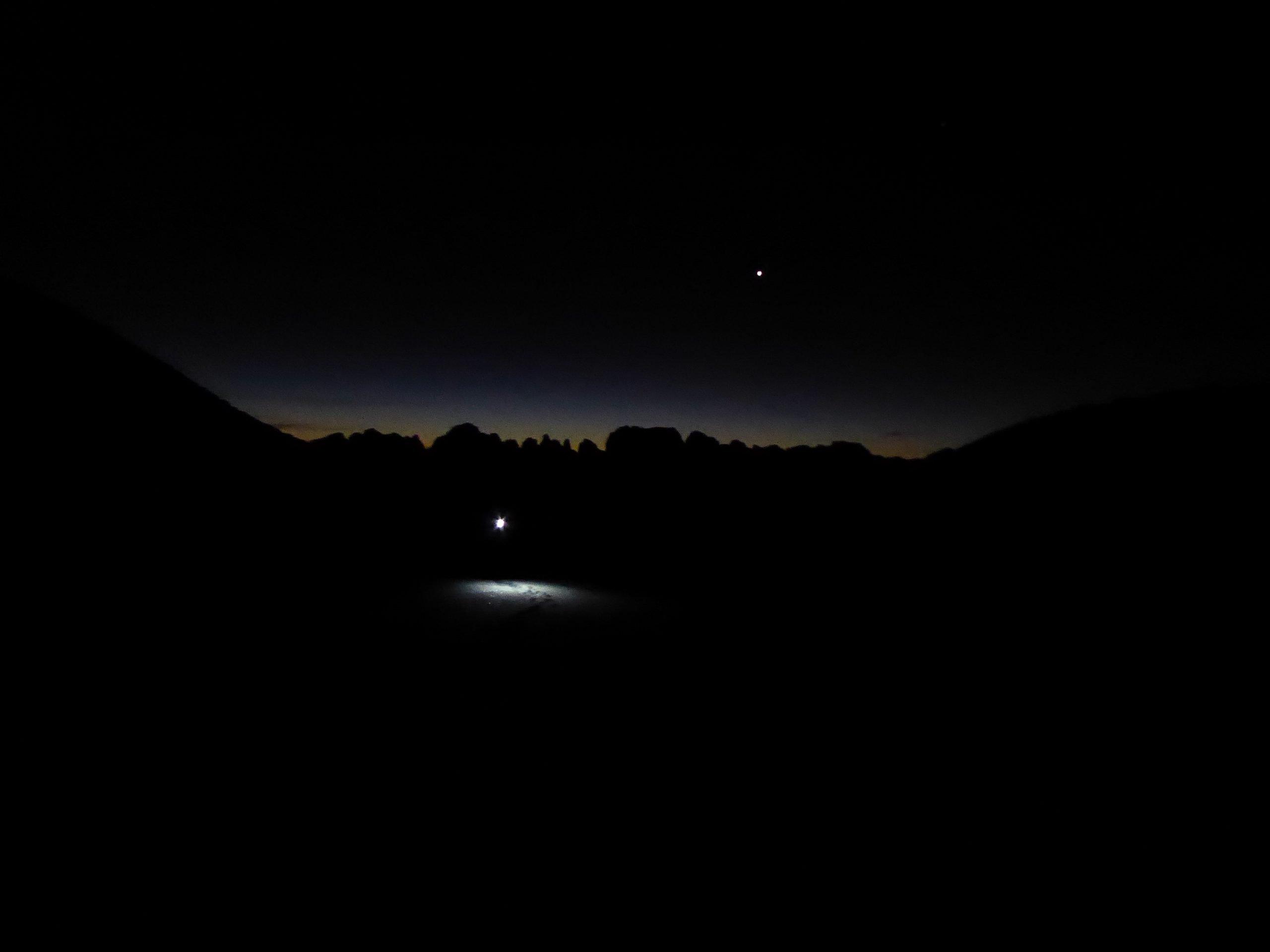 Monte Nero di Presanella – Clean Climb - L'aurora illumina l'inconfondibile skyline delle Dolomiti di Brenta