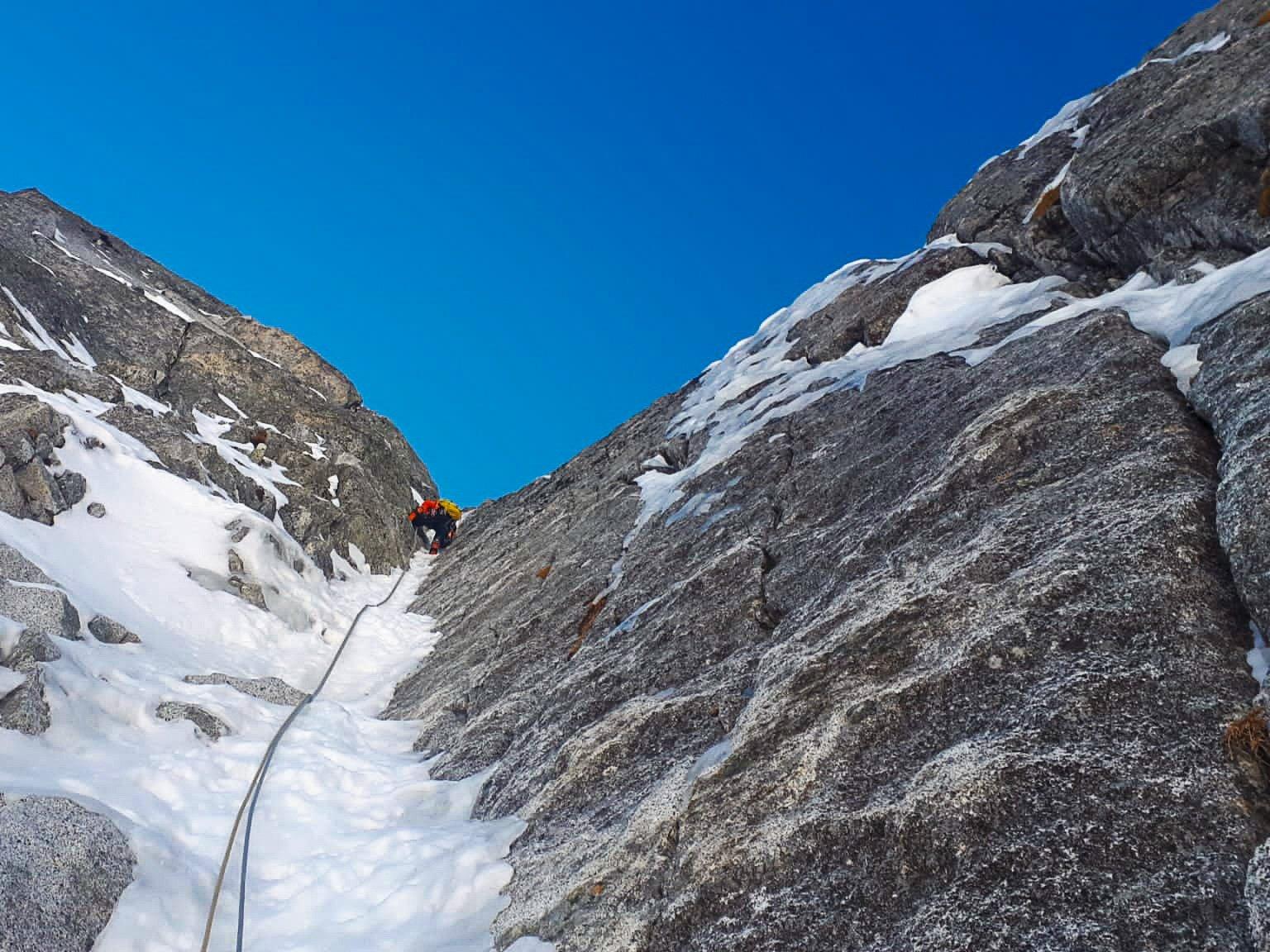 Monte Nero di Presanella – Clean Climb - In azione sul quarto tiro