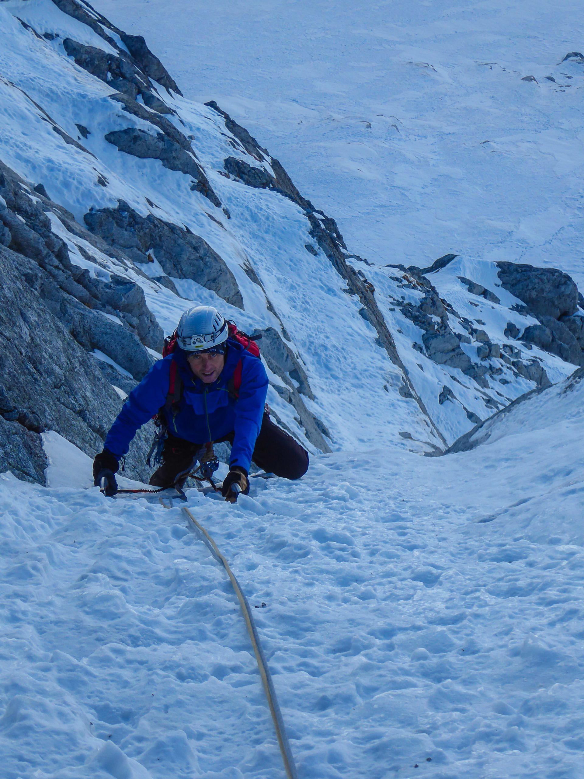 Monte Nero di Presanella – Clean Climb - L'arrivo in sosta del quarto tiro