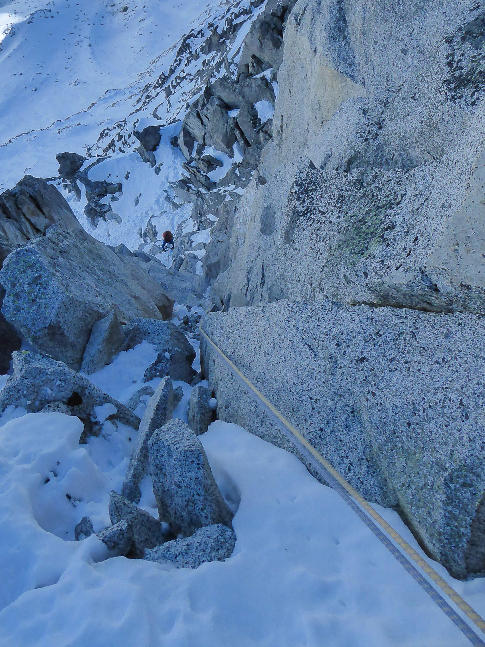 Monte Nero di Presanella – Clean Climb - Andrea impegnato nel sesto tiro