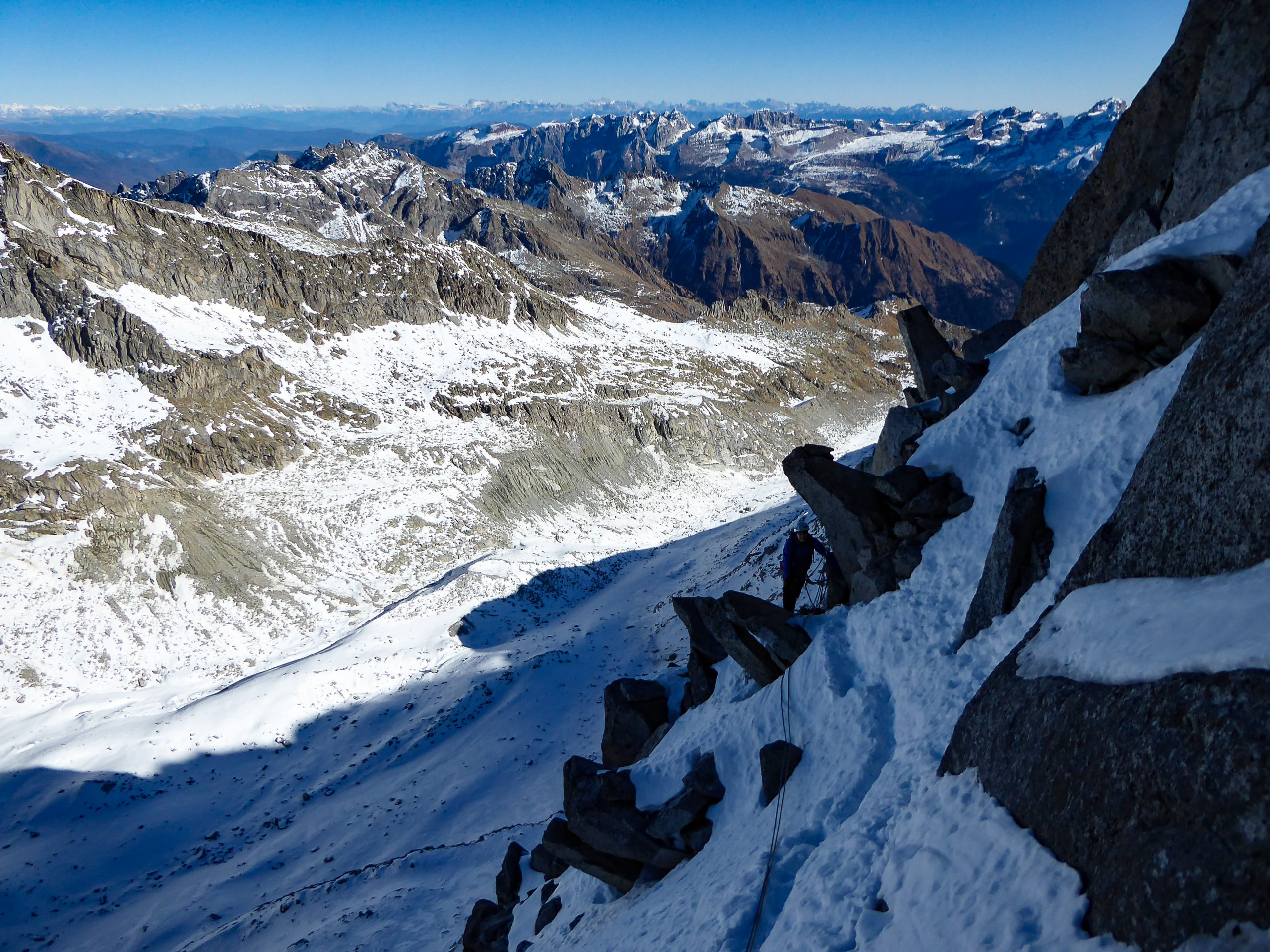 Monte Nero di Presanella – Clean Climb - Andrea in attesa sulla penultima sosta