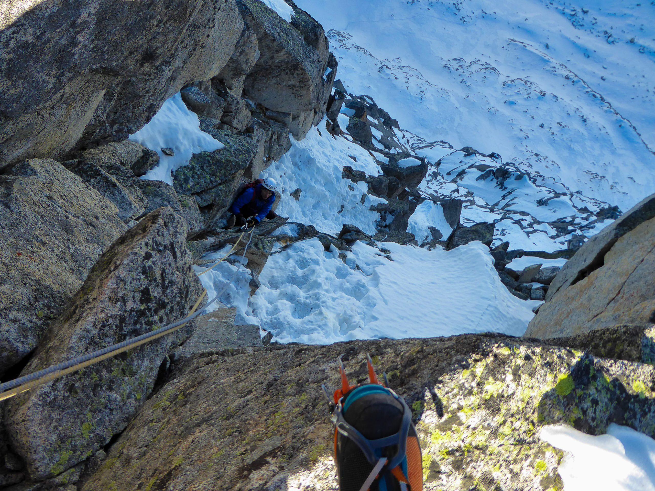Monte Nero di Presanella – Clean Climb - Andrea alle prese con gli ultimi passaggi impegnativi